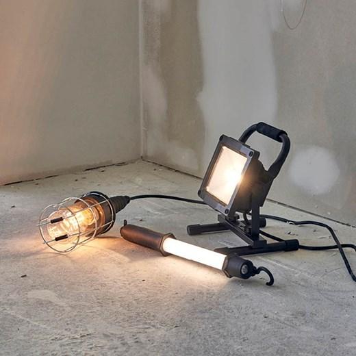 Lige ud Belysning til hjemmet og arbejde - høj kvalitet til lavpris HV64